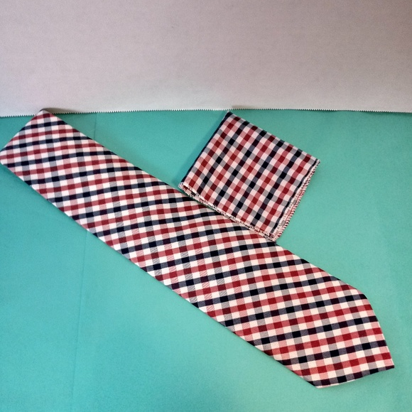 Other - 100% Silk Tie w/ Matching Pocket Square